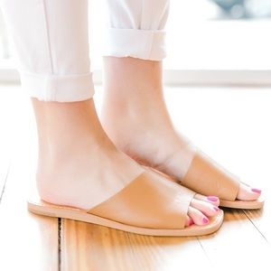 Dolce Vita •Cato Asymmetrical Slide Leather Sandal